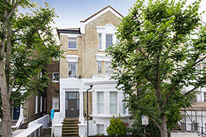 One-bedroom flat in Clapham, south London