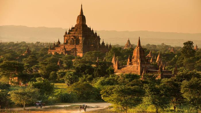 Htilominlo Temple in Bagan