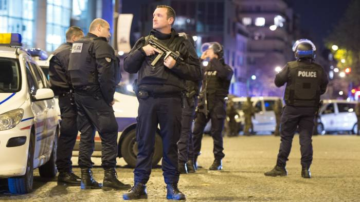 Isis cell responsible for Paris attack in November used WhatsApp and Telegram, which offer end-to-end encryption