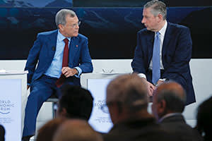 Martin Sorrell with Alcoa CEO Klaus Kleinfeld in Davos, January 2015