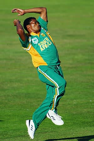 Fast Bowling With Makhaya Ntini Financial Times