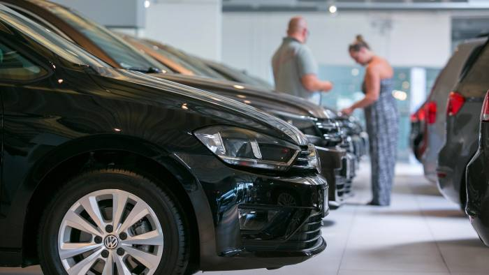 SoftBank invests €460m in online car dealer Auto1 | Financial Times