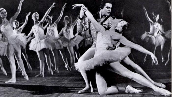 The Bolshoi's Nikolai Fadeyechev and Maya Plisetskaya dance 'Swan Lake' at the time of their London visit