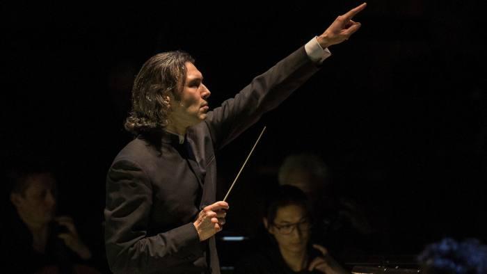 Vladimir Jurowski conducts the London Philharmonic Orchestra