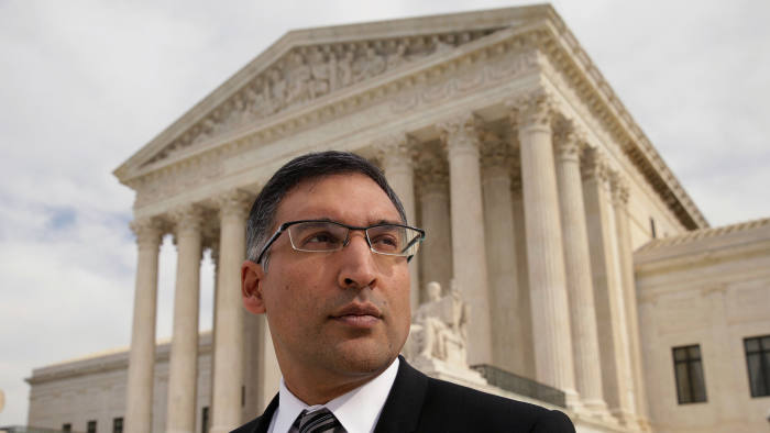FILE PHOTO: Attorney Neal Katyal is seen in front of the U.S. Supreme Court building after arguing a case before the court in Washington, U.S., November 4, 2014. To match OBAMA-LAWYERS/ REUTERS/Gary Cameron/Files - RC14239813C0