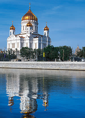 Cathedral of Christ the Saviour, 1997, built on the site of a 19th century church demolished by Stalin in the 1950s, Moscow, Russia