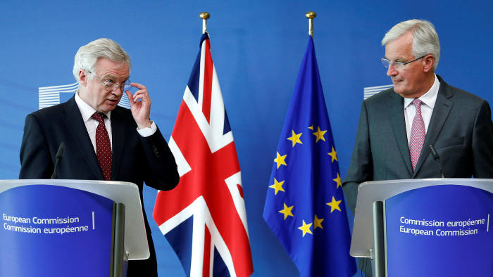Britain's Secretary of State for Exiting the European Union David Davis (L) and European Union's chief Brexit negotiator Michel Barnier talk to the media, ahead of Brexit talks in Brussels, Belgium August 28, 2017. REUTERS/Francois Lenoir