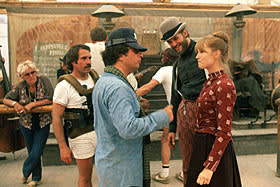 Director Michael Cimino on set of 'Heaven's Gate' with Jeff Bridges and Isabelle Huppert
