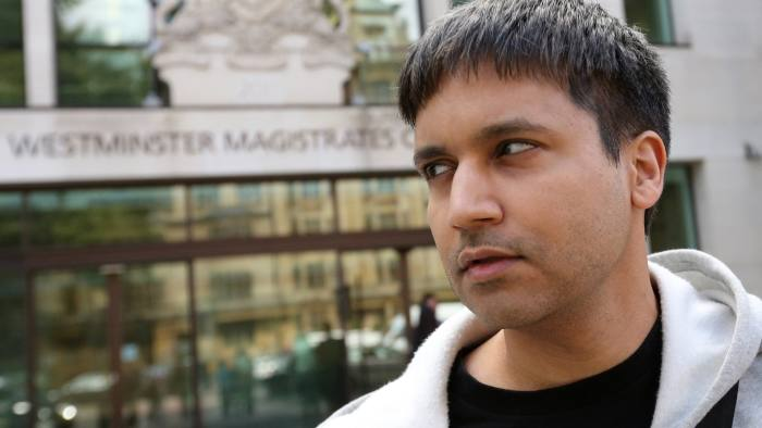 Flash Crash Trader Navinder Singh Sarao At Westminster Magistrates' Court...Navinder Singh Sarao, a British trader charged over his role in the 2010 U.S. flash crash, leaves Westminster Magistrates' Court after losing a bid to delay extradition proceedings in London, U.K., on Friday, Aug. 28, 2015. Sarao asked a London judge for more time to prepare an expert report on trading, but the judge rejected the request, saying the issue was irrelevant to the question of extradition. Photographer: Chris Ratcliffe/Bloomberg
