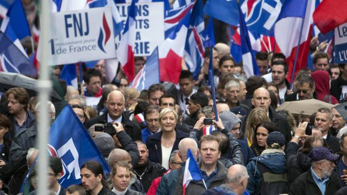 Thousands join National Front's May Day march in Paris | Financial Times