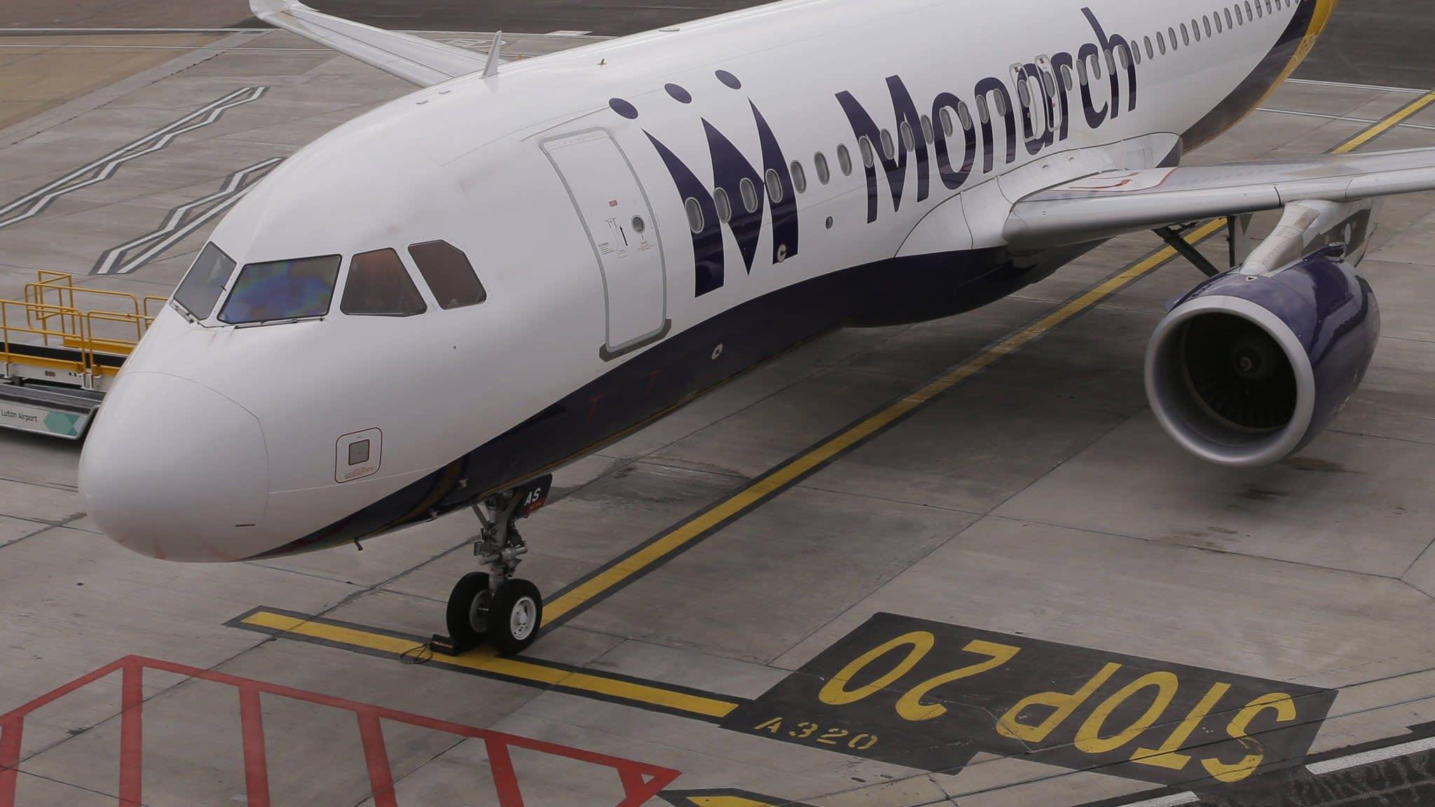 Boeing helped finance bailout of Monarch Airlines   Financial Times