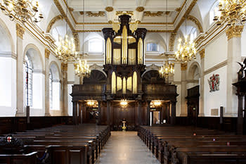 Interior of St Lawrence Jewry