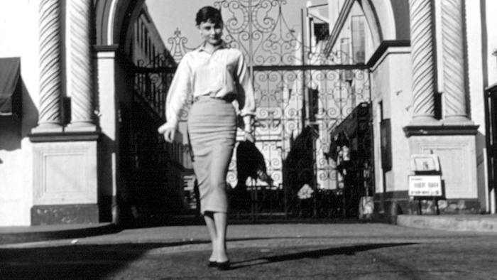 No Merchandising. Editorial Use Only. No Book Cover Usage Mandatory Credit: Photo by Everett Collection/REX (719326a) Audrey Hepburn Audrey Hepburn outside Paramount Studios, Los Angeles, America - 1950s