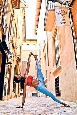 Deepika Mehta; yoga
