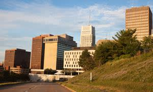 C72P3K Road to downtown of Akron , Ohio