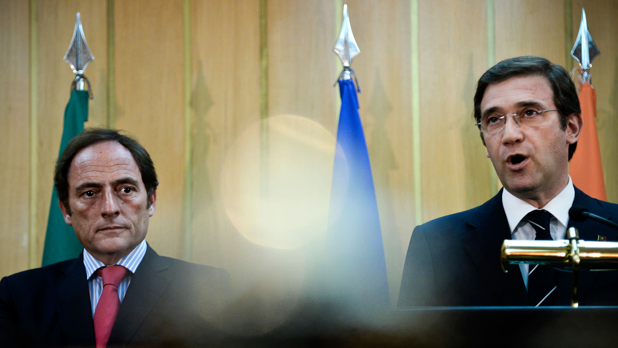 Portugal PM promotes coalition partner to heal divisions | Financial Times