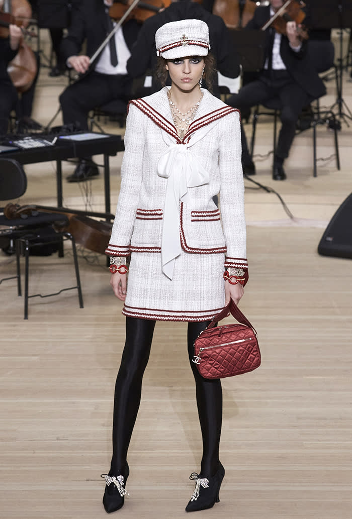 76b04c65d16 Chanel marks  best year ever  with a trip to Karl Lagerfeld s ...