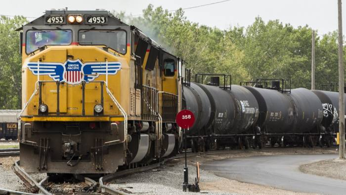 train brakes report Independent brakes work with straight compressed air a reservoir of compressed air on each locomotive is kept, and on the engineer's command, the compressed air is sent to the brake cylinder.