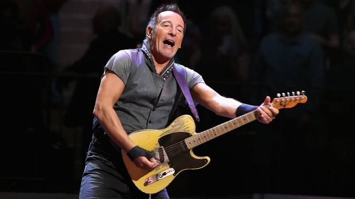 NEW YORK, NY - MARCH 28: Bruce Springsteen performs onstage at Madison Square Garden on March 28, 2016 in New York City. (Photo by Jamie McCarthy/Getty Images)