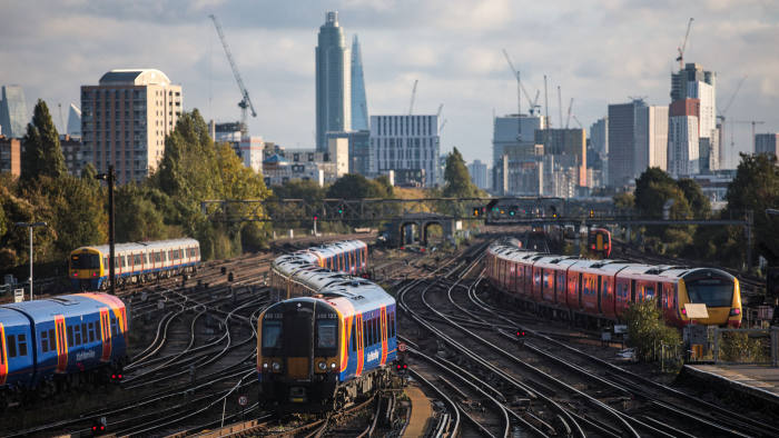 LONDON, ENGLAND - OCTOBER 11: Trains arrive at and depart from Clapham Junction Station during the morning rush hour on October 11, 2018 in London, England. The Office of Road and Rail released its annual report on UK rail finance today. Net government support of the rail industry totalled £6.4billion in 2017-18 (not including Network Rail loans). This was £601million higher than 2016-17. The government received a net contribution from the train operating companies of £223million compared with £776million in the previous 12 months. (Photo by Jack Taylor/Getty Images)