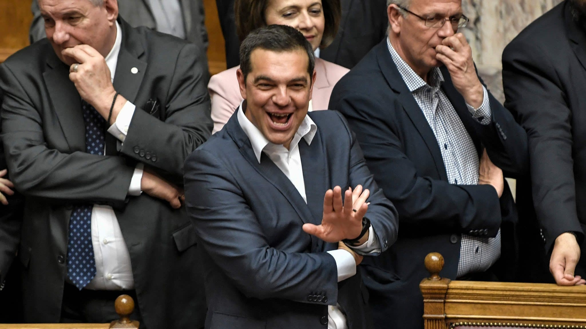 Greek government wins confidence vote | Financial Times