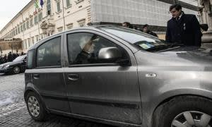 epa04596977 Italian newly elected Italian President, Sergio Mattarella (C), arrives by car at Constitutional Court in Rome, Italy, 31 January 2015. Sergio Mattarella was elected president of Italy with 665 votes from lawmakers from both houses of parliament and regional representatives in the fourth presidential ballot.  EPA/ANGELO CARCONI