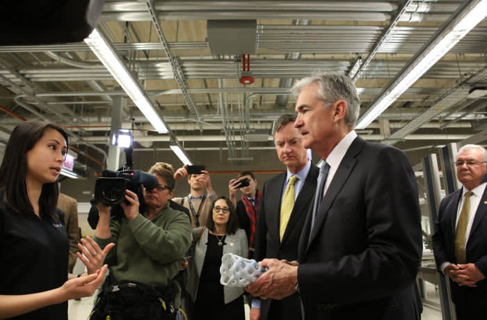 Chairman Powell tours mHUB Chicago following a speech to the Economic Club of Chicago: