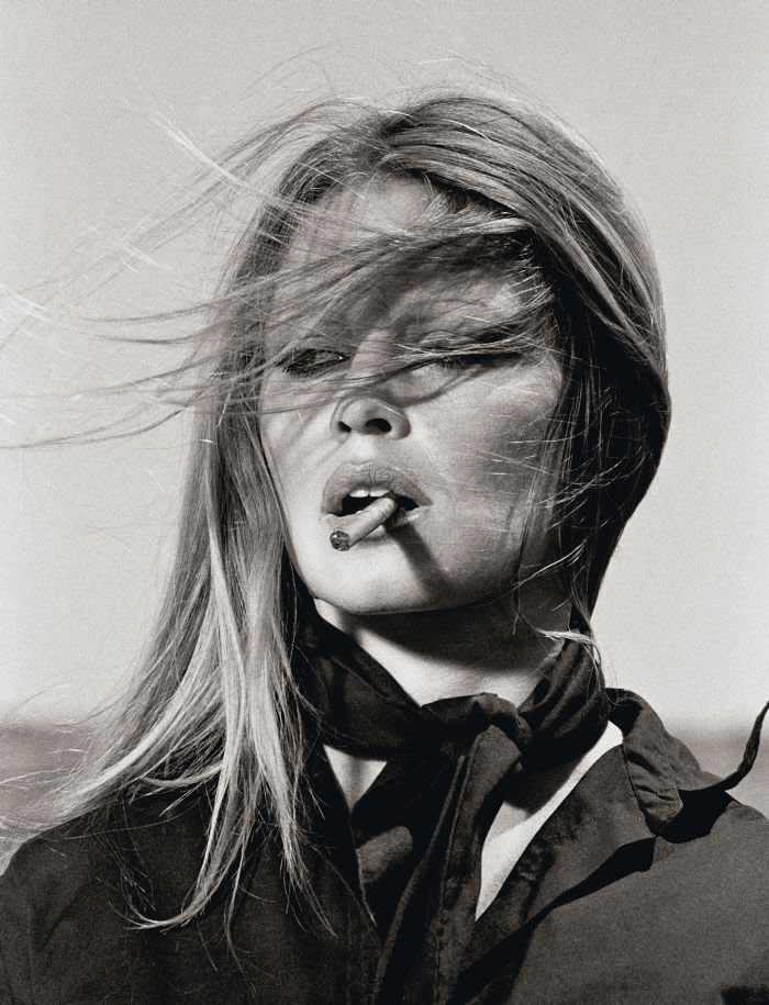 French actress Brigitte Bardot shot by Terry O'Neill on the set of 'Les Petroleuses' a.k.a. 'The Legend of Frenchie King', directed by Christian-Jaque in Spain, 1971. License Fees: Online £50pp or £300 set fee Paper call for licensing Broadcast call for licensing