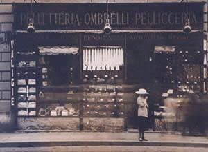 1925: Edoardo and Adele Fendi open their first store on Via del Plebiscito, in Rome