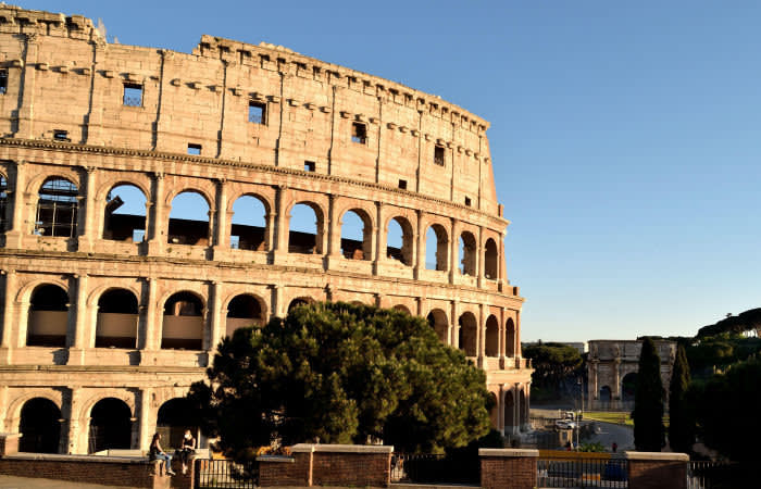2BM84H9 May 7th 2020, Rome, Italy: View of the Colosseum without tourists due to the phase 2 of lockdown
