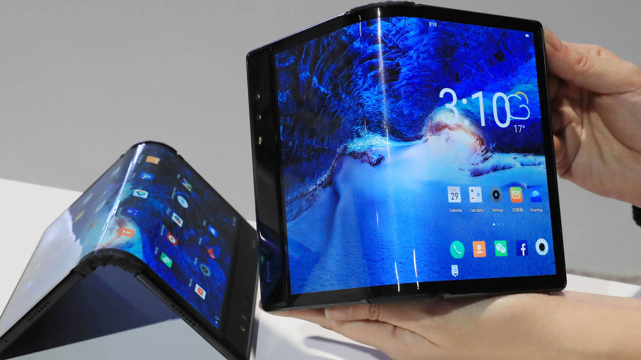 China start-up undercuts Samsung, Huawei foldables | Financial Times