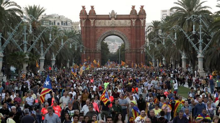 Business rides out storm over Catalan independence   Financial Times