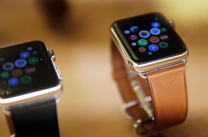 NEW YORK, NY - SEPTEMBER 10: New models of the Apple are viewed in an Apple store on September 10, 2015 in New York City. The Cupertino, California based tech company unveiled new bands and two new finishes for the Apple Watch today. The finishes of stainless silver and rose gold are available at the same price point as the preexisting watch which was released in April. There are now more than 10,000 watch apps available including a GoPro's app acts as a viewfinder for your camera. (Photo by Spencer Platt/Getty Images)