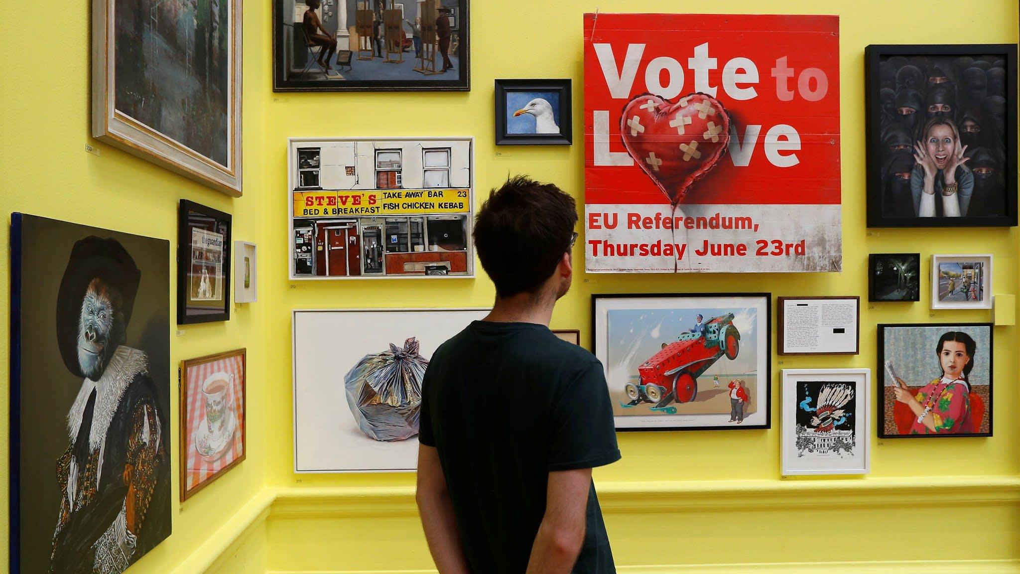'Vote to Love', de Banksy, entre outras obras da exposição