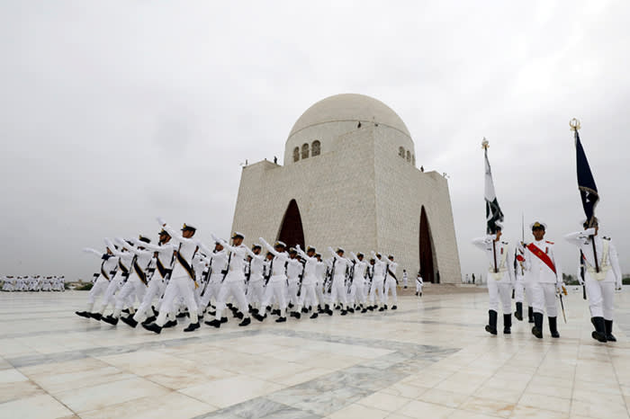 Members of the Pakistan's Naval force march during a ceremony to celebrate the country's 71st Independence Day at the mausoleum of Muhammad Ali Jinnah in Karachi, Pakistan August 14, 2018. REUTERS/Akhtar Soomro TPX IMAGES OF THE DAY