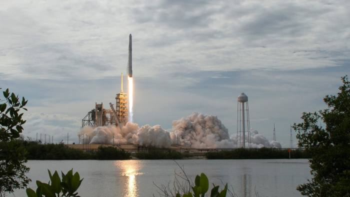 FILE PHOTO: The SpaceX Falcon 9 rocket, with the Dragon spacecraft onboard, launches from pad 39A at NASA's Kennedy Space Center in Cape Canaveral, Florida, U.S., June 3, 2017. NASA/Bill Ingalls/Handout/Files via REUTERS ATTENTION EDITORS - THIS IMAGE WAS PROVIDED BY A THIRD PARTY. EDITORIAL USE ONLY. MANDATORY CREDIT