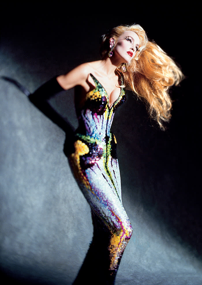Jerry Hall in Thierry Mugler couture 1997 Les Insectes collection