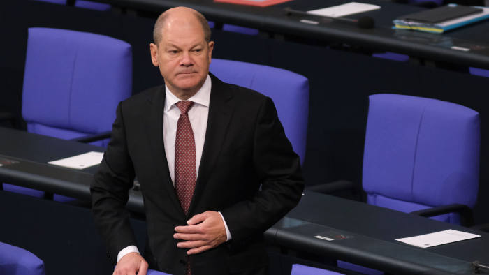 BERLIN, GERMANY - JANUARY 31: German Finance Minister and Vice Chancellor Olaf Scholz arrives at the Bundestag, the German parliament, for a commemoration for the victims of National Socialism on January 31, 2019 in Berlin, Germany. The event coincides with the recent 74th anniversary of the liberation of the Auschwitz concentration camp.(Photo by Sean Gallup/Getty Images)