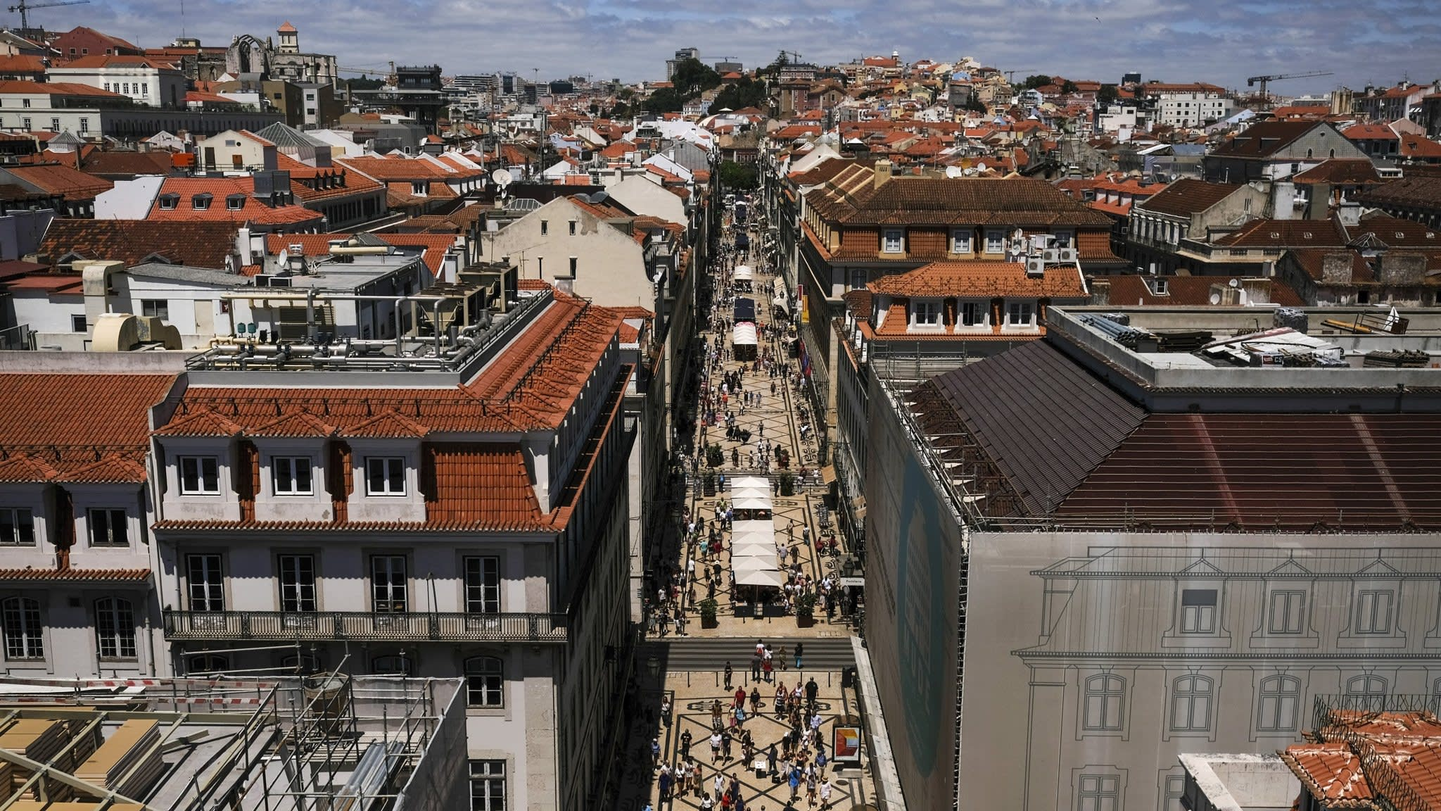 Portugal posts lowest budget deficit in 45 years of democracy | Financial Times