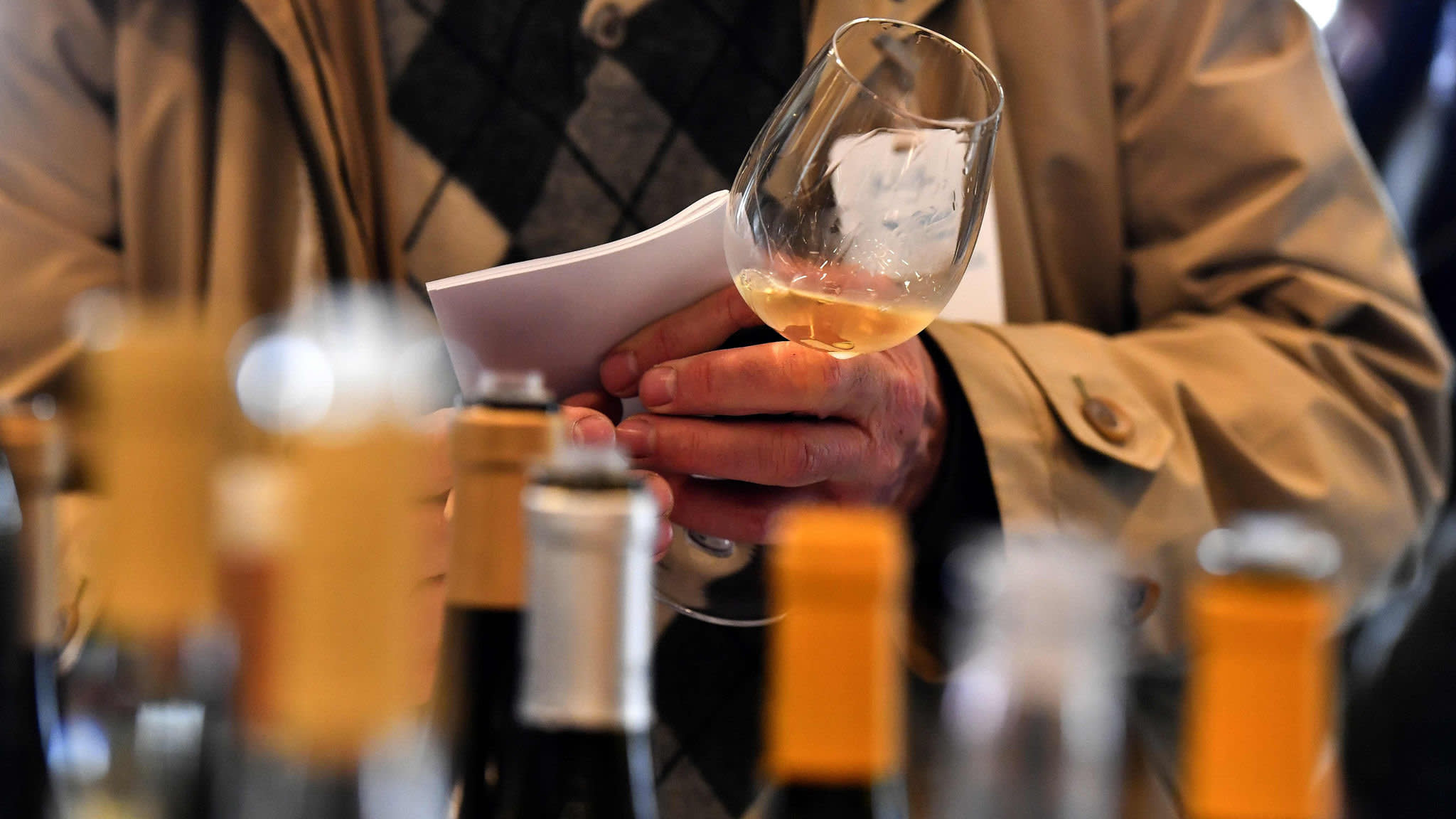 UK wine sellers find themselves squeezed on all sides | Financial Times