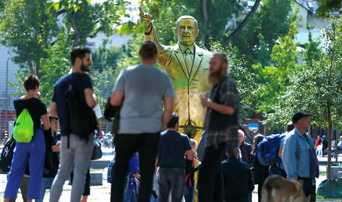 "FILE PHOTO: A statue of Turkish President Tayyip Erdogan is seen during the art exhibition ""Wiesbaden Biennale"" in Wiesbaden, Germany, August 28, 2018. REUTERS/Ralph Orlowski/File Photo"