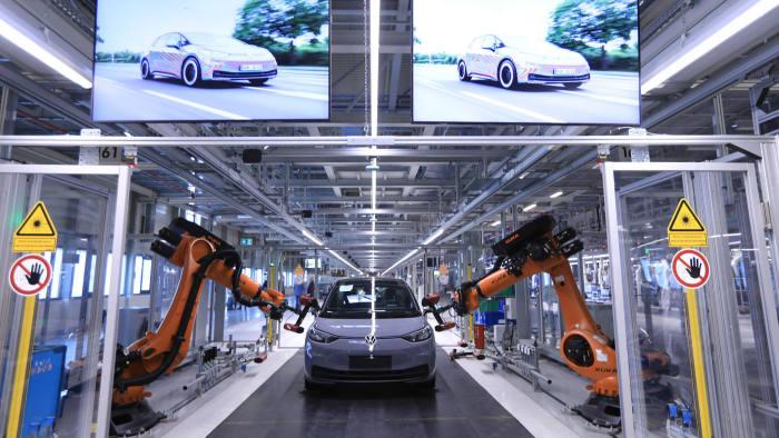 Car In German >> Global Car Slowdown Hits German Industrial Groups