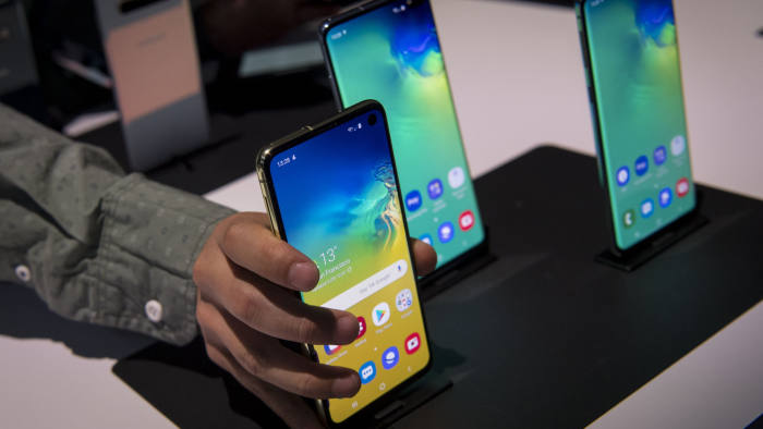 Samsung sees Galaxy S10 smartphone as key to China comeback