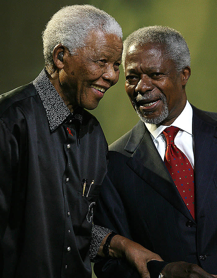 REMOVING EXTRANEOUS WORDING Former United Nations secretary general Kofi Annan (R) talks to Nelson Mandela at the fifth annual Mandela Lecture in Johannesburg, 22 July 2007. Annan delivered the lecture which was launched four years ago by former US president Bill Clinton within the framework of Mandela's 85th birthday celebrations. South Africa's Nobel peace prize laureate, who turned 89 this year, helped launch a new think tank of world statesmen which will strive to resolve global conflict and the world's most pressing issues. AFP PHOTO / STR (Photo credit should read STRINGER/AFP/Getty Images)