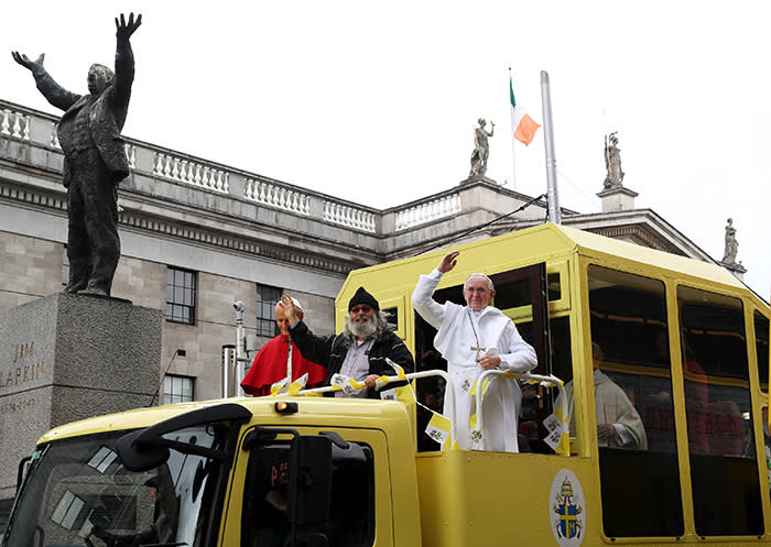 A newly unveiled wax work of Pope Francis aboard a newly refurbished original 1979 Pope Mobile belonging to the National Wax Museum Plus passes the GPO on O'Connell Street ahead of Pope FrancisÕ Visit To Ireland. PRESS ASSOCIATION Photo. Picture date: Thursday August 23, 2018. See PA story IRISH Pope Popemobile. Photo credit should read: Brian Lawless/PA Wire