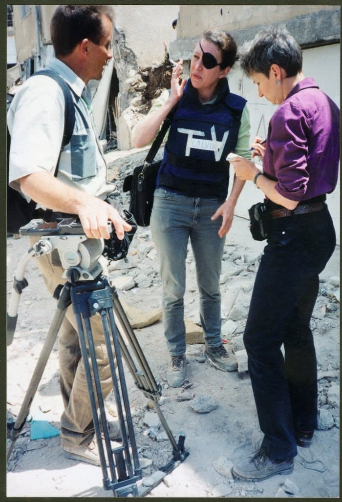 Lindsey Hilsum with Marie Colvin in Jenin on the West Bank in 2002