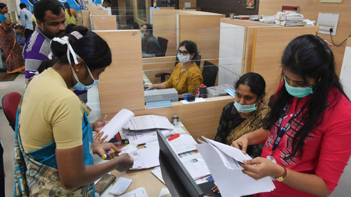 Coronavirus threatens India's banking recovery before it even starts |  Financial Times
