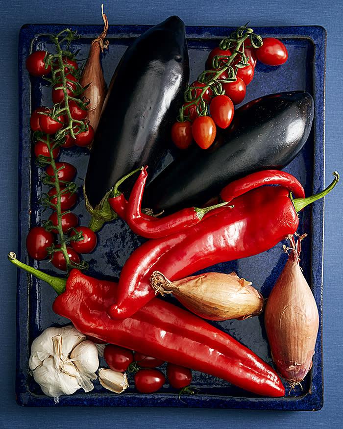 FTMag_Honey&Co_Aubergine_Tomato_Pepper_Salad