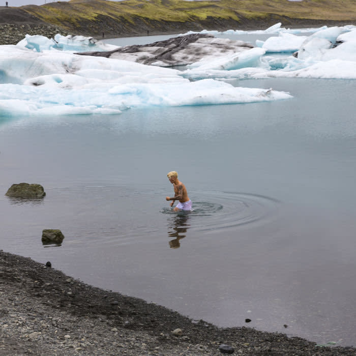 ICELAND - NOVEMBER 02: Justin Bieber strips down to take a dip in an icy lake for 'I'll Show You' video on November 02, 2015 in Iceland. PHOTOGRAPH BY Bragi Kort / Barcroft Media UK Office, London. T +44 845 370 2233 W www.barcroftmedia.com USA Office, New York City. T +1 212 796 2458 W www.barcroftusa.com Indian Office, Delhi. T +91 11 4053 2429 W www.barcroftindia.com (Photo credit should read Bragi Kort / Barcroft Media / Barcroft Media via GC Images)
