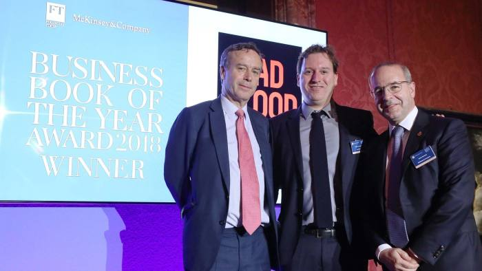 FT McKinsey Business Book of the Year Award 2018 The National Gallery .London L to R. Lionel Barber, Financial Times editor; John Carreyrou, writer of Bad Blood; and Kevin Sneader, global managing partner of McKinsey Picture By Gareth Davies